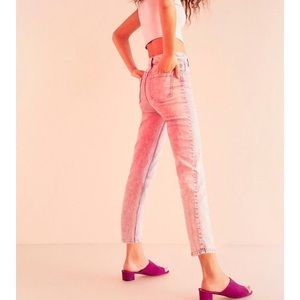 BDG Urban Girlfriend Jeans Pink Acid Wash